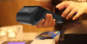 bankkártya terminál A8-_hand_app-1